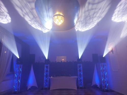 dj na wesele,dj na imprezę,dj wodzirej,dj konferansjer,dj na wesele Warszawa,dj mazowieckie,dekoracja światłem,taniec w chmurach099