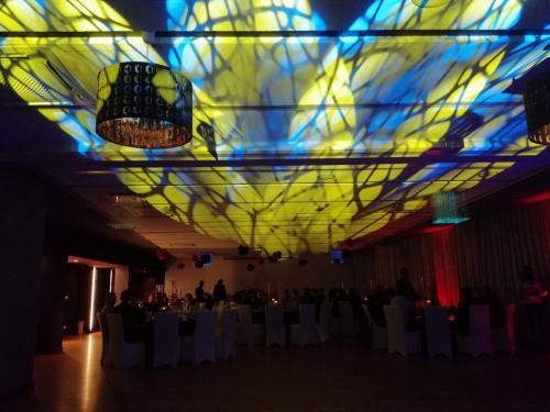 dj na wesele,dj na imprezę,dj wodzirej,dj na wesele Wołomin,dj na wesele Radzymin,dj na wesele Tłuszcz,dj na wesele Niegów, dj na wesele Wyszków,dj na wesele Marki,dj na wesele Zielonka
